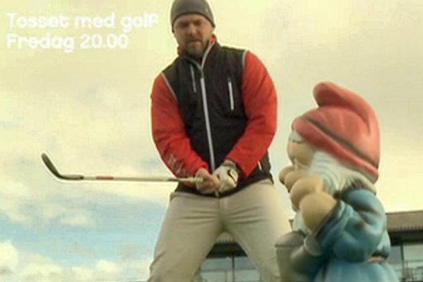 Jonas Schmidt amok med golfkølle! Jonas Schmidt, Mascha Vang, Uffe Holm, tomas villum jensen, adam duvå hall, tosset med golf,