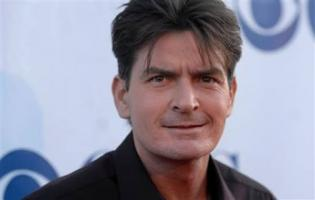 Charlie Sheen anholdt for hustruvold ! charlie sheen, two and a half men