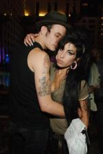Amy Winehouse skal skilles Amy winehouse, blake fielder civils,