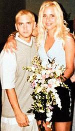 Eminem skal skilles - igen Eminem, Marshall Mathers, skilsmisse