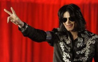 En halv milliard vil mindes Michael Jackson michael jackson,