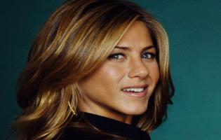 Fyre foretrækker Jennifer Aniston ! Jennifer Aniston