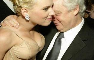 Få en nat med Scarlett Johansson på eBay! Scarlett Johansson,