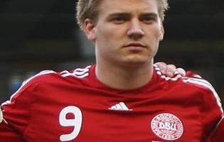 Morten Olsen: Vi klarer os uden Niclas Bendtner ! niclas bendtner, jon dahl, vm,