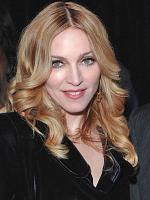Madonna hjælper Italiens ofre  madonna,