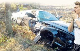 Nicklas Bendtner smadrede sin Aston Martin ! Nicklas Bendtner, Aston Martin,