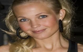 Sexede Tina Lund på hesten igen Tina Lund
