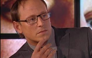 Sidney Lee er Michael Brødsgård - afsløret på TV2 ! sidney lee,