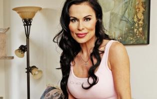 Simone Levin Danske Hollywoodfruer tæt på porno simone levin, hollywoodfruer,