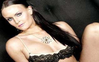 Stripper Katrine kyssede med Thomas Graversen ! Katrine poulsen, katrine, singleliv,kira eggers,