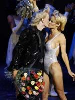 Pamela dater tryllekunstner Pamela Anderson, Hans Klok, Las Vegas