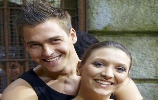 Peter færdig med Amalie - kysser nye piger ! Peter Birch, Amalie, Paradise