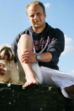 Uffe Holm finder søde hunde Uffe Holm, Danmarks sødeste hund