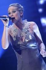 X Factor: Heidi skriver kontrakt X-Factor, Heidi